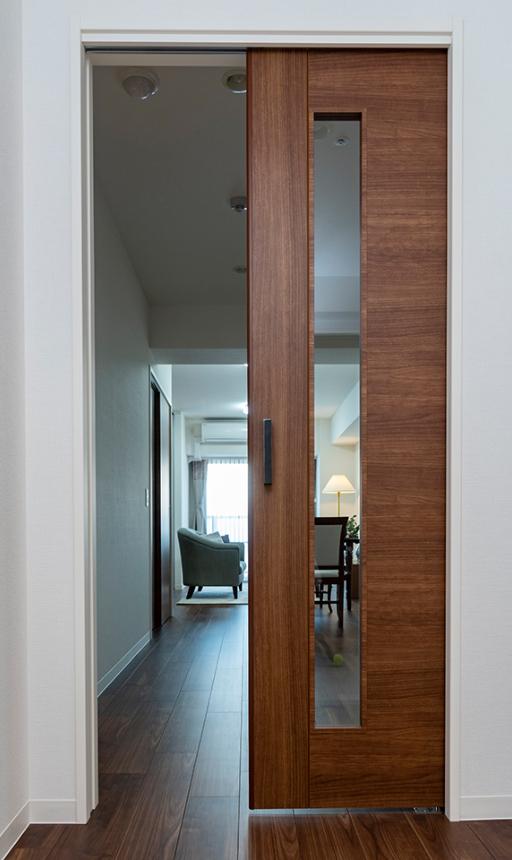 室内引き戸の採用